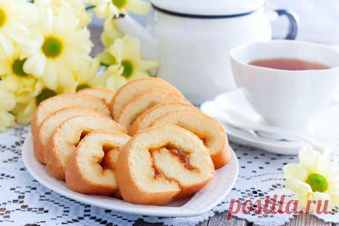 Бисквитный рулет с вареньем в духовке рецепт с фото пошагово - 1000.menu