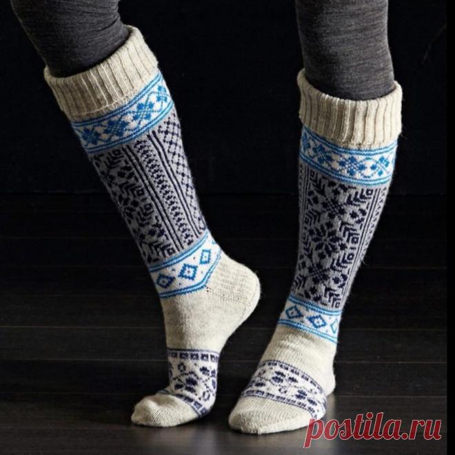 Шикарные, вязаные носки и гетры с жаккардовым узором - отличное решение для зимних холодов! Примеры и схемы для вязания!   Юлия Жданова   Яндекс Дзен