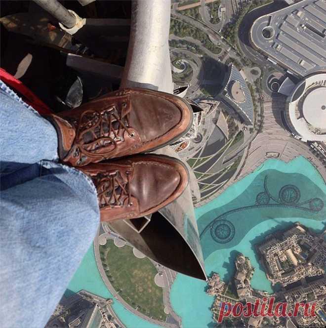 «На грани безумия». Вид с вершины самого высокого здания в Мире — небоскреба Бурдж-Халифа в Дубае.