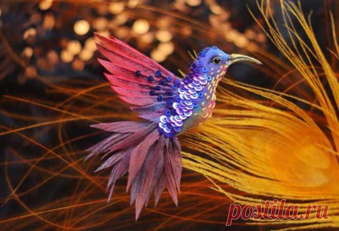 Las creaciones mágicas de la seda, los abalorios, payetok y straz