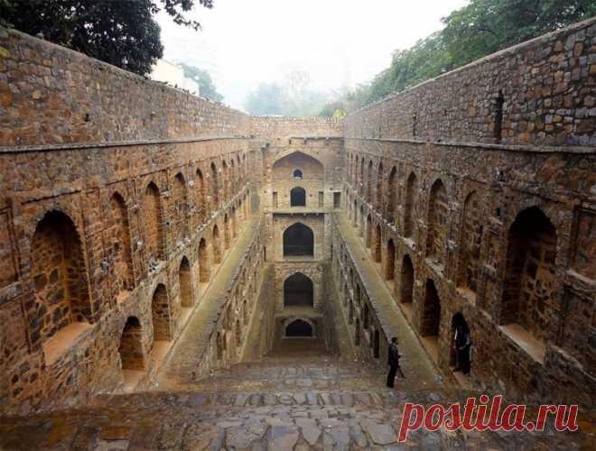 Это не индийские храмы. Это подземные колодцы невероятной красоты