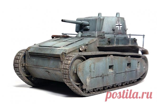Leichttraktor от Rheinmetall или VK 31 — archivetechburo.ru Leichttraktor VK 31 имел компоновку с расположением двигателя в носовой части корпуса и трансмиссией в корме. Танк имел блокированную подвеску