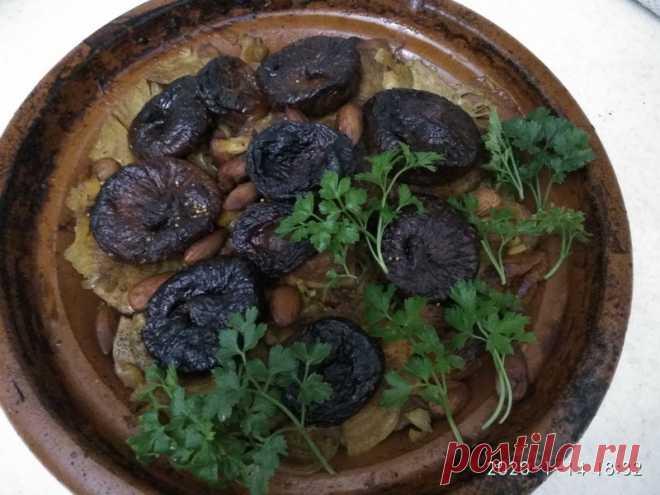 Как я готовлю, нежнейшее и сочное мясо по Марокканскому рецепту в тажине с инжиром. Вкус просто сказка - Пир во время езды Это очень вкусное блюдо я попробовала в Марракеше, в ресторане «Дар эс Салам». «Дар эс Салам» является достопримечательностью города, в нем А.Хичкок снимал сцены из фильма «Человек, который слишком много знал». Ресторан очень красивый, похож на Дворец из «Тысячи и одной ночи». Тажин с фруктами имеет немного необычный вкус, но я люблю этот микс острого, …