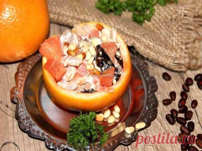 Салат с грейпфрутом и курицей лучший пошаговый рецепт с фото Салат с красным грейпфрутом и курицей пошаговый рецепт приготовления салата с фото. Отлично подходит как красный так и обычный грейпфрут