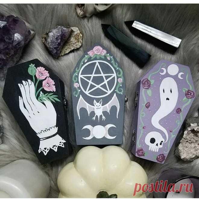 @gothicdreamers в Instagram: «🔮⚰🔮⚰🔮by:@queenofjackals #art #decorations #decoration #occultism #spirits #dark #creepy #instagoth #gothgoth #gothiclife #witch #witchcraft…» 989 отметок «Нравится», 5 комментариев — @gothicdreamers в Instagram: «🔮⚰🔮⚰🔮by:@queenofjackals #art #decorations #decoration #occultism #spirits #dark #creepy #instagoth…»