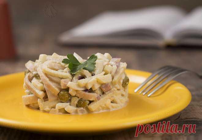 Салат с кальмарами и зеленым горошком - рецепт с пошаговыми фото