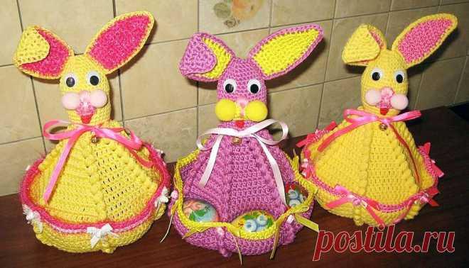 Пасхальный заяц с карманами для яиц крючком и другие идеи