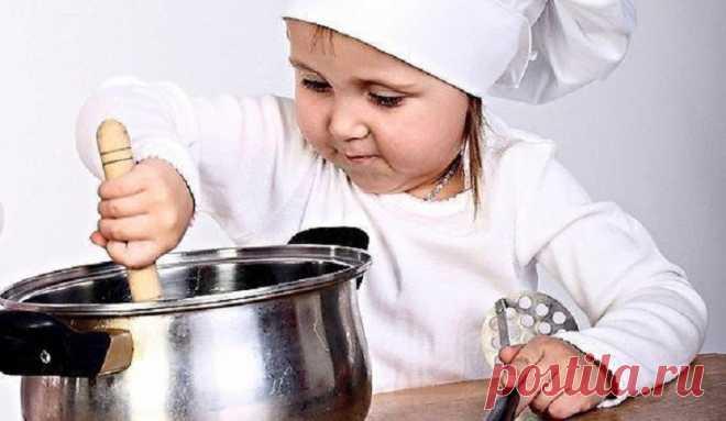 Чем занять ребенка на кухне? | Журнал