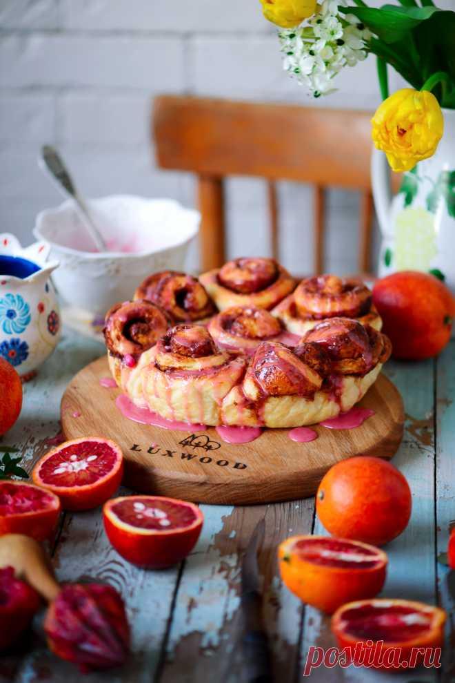 Апельсиновые плюшки с корицей и глазурью