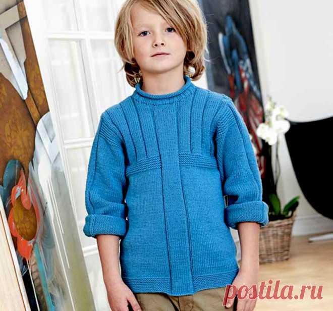 Свитер для мальчика спицами с рельефными узорами