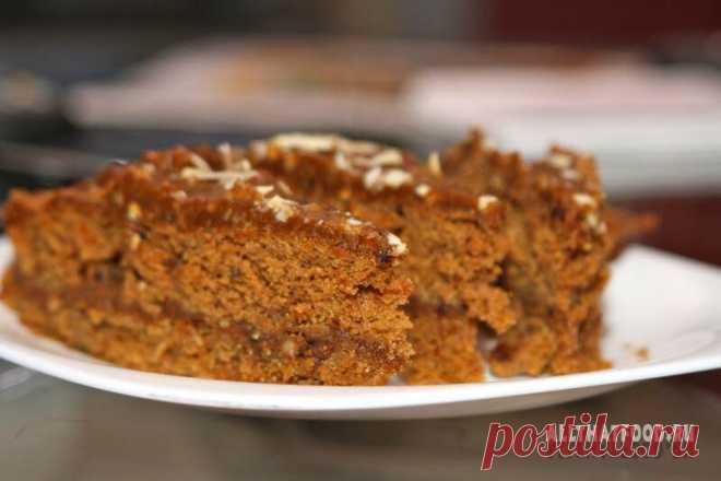 Кофейно-ореховый торт. Торт наивкуснейший! Тесто по вкусу немного похоже на шоколадный пряник. Крем получается не приторно-сладкий, а как горький шоколад. Попробовать стоит!