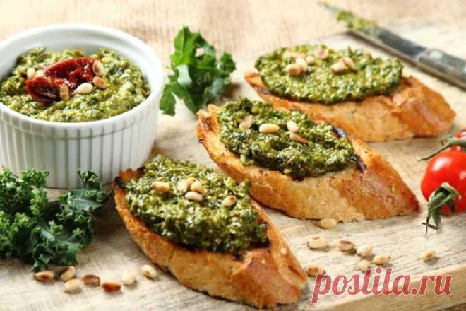 Зеленый соус песто из листовой капусты – пошаговый рецепт с фото.