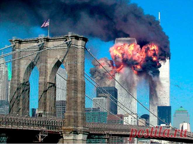 Прошло почти 20 лет после теракта 11 сентября, однако теорий заговора вокруг трагических событий не становится меньше. До сих пор остается загадкой, куда бесследно исчезли более 1 тысячи тел жертв. Каждый раз, когда в истории происходило обрушение здания, останки погибших извлекались из под обломков более-менее целыми. Причина в том, что в рушащихся зданиях человеческие тела раздавливаются, но не распадаются на мельчайшие частицы. В пыль останки превращаются лишь после мощного взрыва, которого…