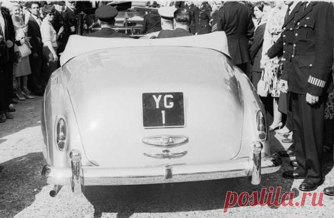 Yury Gagarin goes across London in Rolls-Royce with number made of its initials and unit - a tribute to the astronaut first in the history.