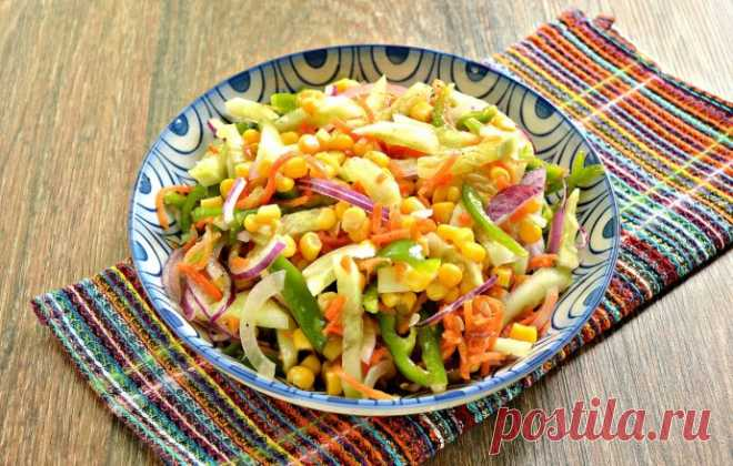 Легкий салат с кукурузой и болгарским перцем без майонеза