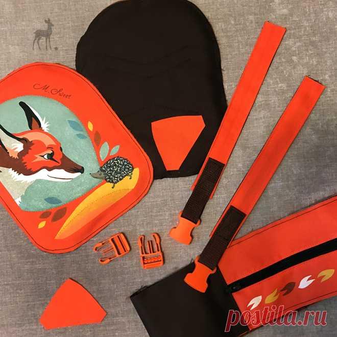 Как создаются детские рюкзачки Я вас уже знакомила с симпатичной моделью бренда M-Sweet: красивым детским рюкзачком, украшенным художественной росписью, показывающей неожиданную встречу маленького лисенка и ежика.