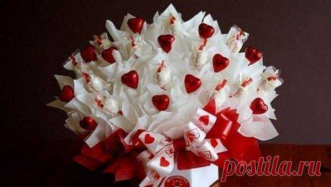 Малый бизнес на дому: Букеты из конфет своими руками: 70 фото создания карамельных и шоколадных цветов Оригинальным и вдвойне приятным подарком будут букеты из конфет своими руками. Как сделать такой подарок и что для этого требуется читайте далее в обзоре!
