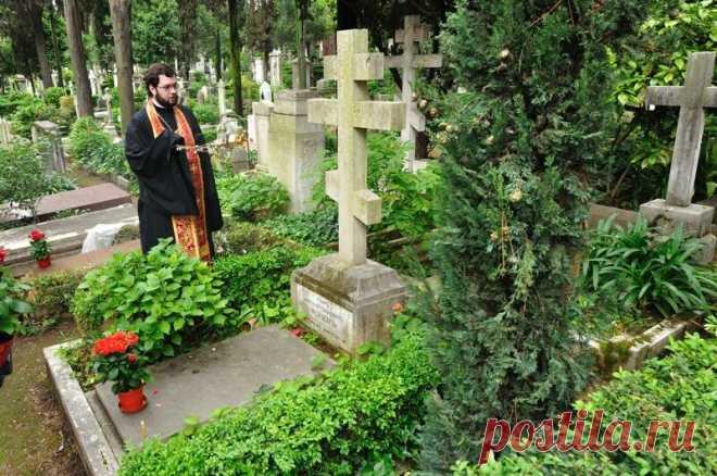 Обязательно ли устанавливать оградку на кладбище. Как священники рекомендуют обустраивать могилку | Православная Жизнь | Яндекс Дзен