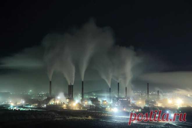 «Магнитогорск» (из альбома «Закат в Магнитогорске»). Текст, музыка и фотографии Стивена Притчарда (Великобритания). 2005.