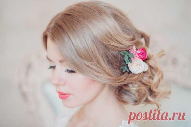 Свадебные прически с цветами - 98 фото основных идей оформления
