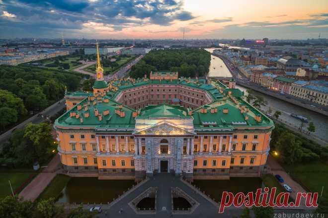 Несколько залов Михайловского замка станут доступны для посетителей в конце 2020 года — к этому времени завершится их реставрация. Об этом рассказал директор Русского музея в Санкт-Петербурге Владимир Гусев.   zaburdaev