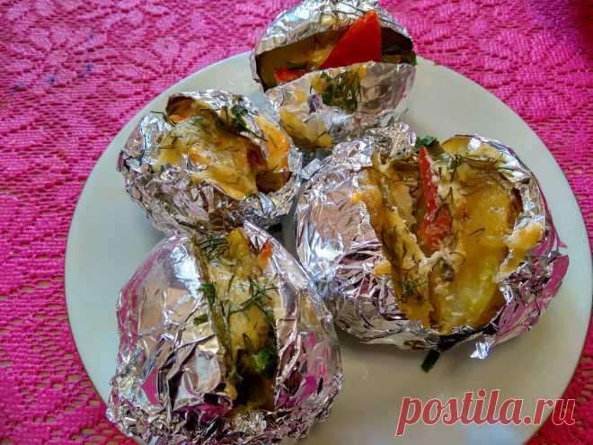 Как я наготовила дома «Крошек-картошек» для внуков - Кулинарный блог Мои внуки очень любят картошку и блюда, которые из нее приготовлены. Как-то гуляя с внуками, мы зашли в кафе и попробовали печеную картошку с вкусной начинкой. После этого,...