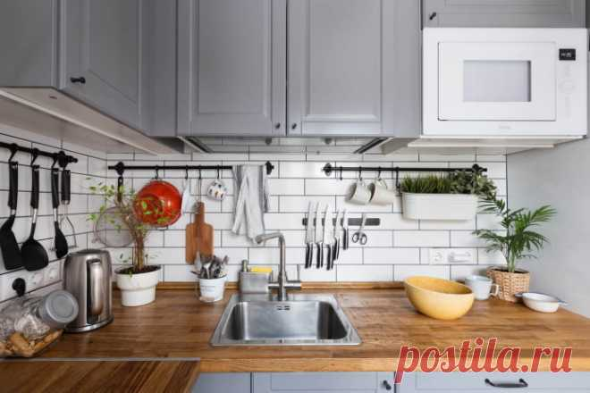 Какие вещи нельзя хранить на кухонной столешнице? Эта статья предназначена для тех, кто ценит практичность и комфорт. В ней мы рассказываем о 10 вещах, которые нельзя хранить на столешнице.