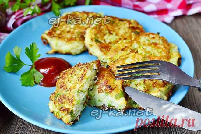 Кабачковые оладьи с сыром и чесноком, пошаговый рецепт | Рецепты с фото