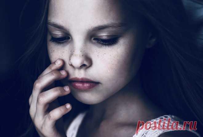5 предупреждающих знаков, что у ребенка проблемы с психическим здоровьем Во всем мире 10-20% детей и подростков испытывают психические расстройства. Половина всех болезней психического здоровья начинается в возрасте 14 лет …   Если их не лечить, эти условия серьезно влияю…