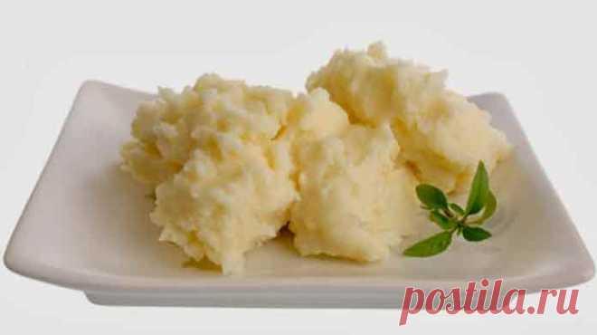 Картофельное пюре сыром сметаной - Вкусно готовим дома Картофельное пюре сыром сметаной, просто и пошагово! Пюре благодаря сыру и сметане будет просто таять во рту. Пюре, приготовленное по этому рецепту получается очень нежное и неимоверно вкусное.