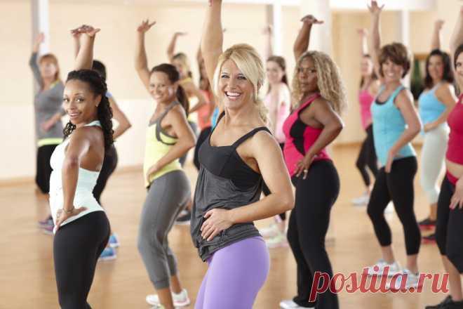 Танцы для похудения в домашних условиях и зале для начинающих Танцы для похудения - проверенный и очень эффективный метод не только сбросить лишние килограммы, но и зарядиться настроением! Худеем, танцуя, а дополнительно подтягиваем обвисшую кожу и тонизируем мышцы. Виды танцевальных движений и расход калорий - подробно далее!