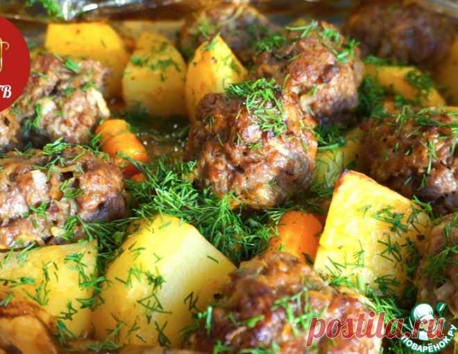 Котлеты и картофель в пакете – кулинарный рецепт