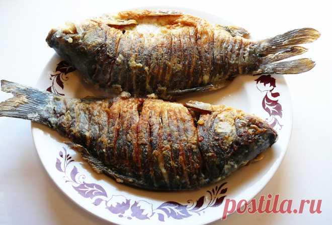 Как пожарить карасей без костей (жарю только так, чтобы растворить в рыбе косточки) | ПРО красивости: косметика, кухня | Яндекс Дзен