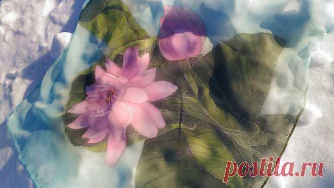 платок из натурального шелка-шифона,67х57,расписан парозакрепляемыми красками и подшит вручную