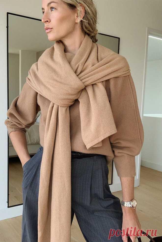 Свитер с шарфом — самый модный комплект зимы 2020/2021
