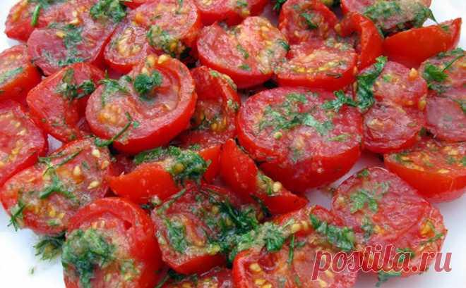 Маринуем помидоры по-корейски за минуты: получается вкуснее салата и солений