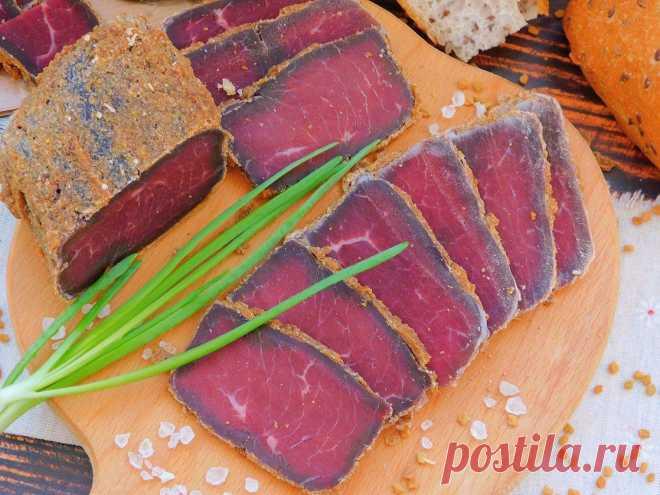 Бастурма: вам понадобится говядина и много специй. Узнайте каких — в нашем рецепте | Еда на каждый день | Пульс Mail.ru Очень вкусный рецепт бастурмы смотрите на Еда на каждый день