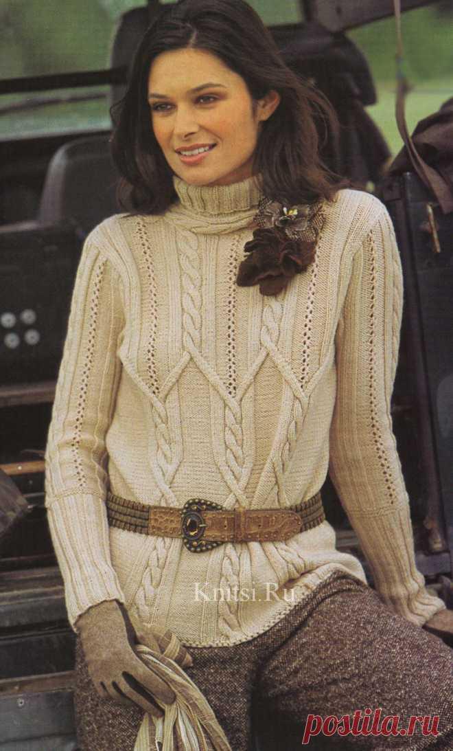 Пуловер с переплетающимися косами спицами