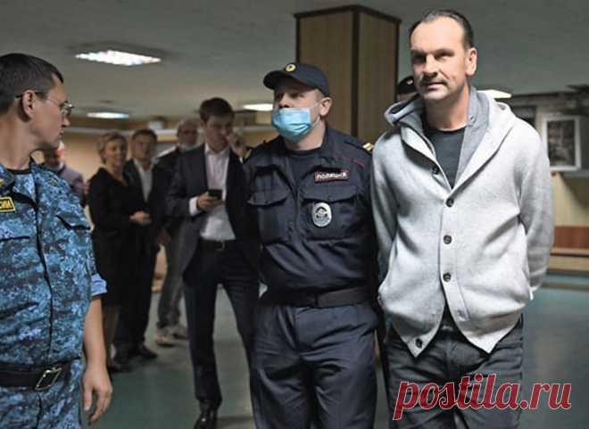 Топ-менеджера крупнейшего банка «ТРАСТ» задержали за мошенничество