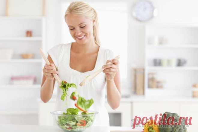 9 продуктов, которые стопроцентно помогут вам похудеть Каждый второй житель планеты недоволен своей фигурой, и был бы счастлив избавиться от лишних килограммов, которые напоминают о себе предательски свисающим жирком на животе и некрасивыми складками на с...
