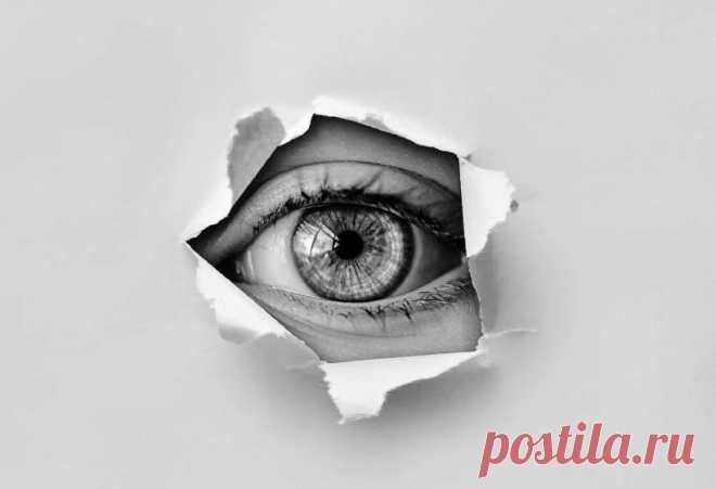 За раскрытие чужих секретов грозит тюрьма – за что и как наказать того, кто не хранит вашу тайну В век интернета и информационных технологий практически каждый может столкнуться с неприятной ситуацией, когда его личные или семейные ...