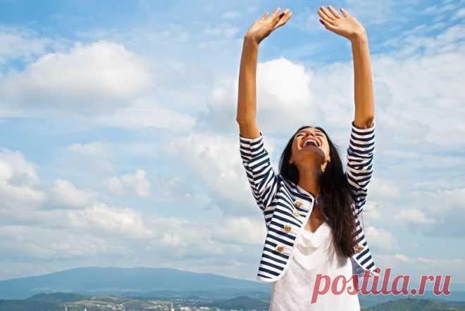 Не ленись поднимать руки вверх! На то есть четыре веские причины. Простое упражнение способно полностью обновить весь организм.
