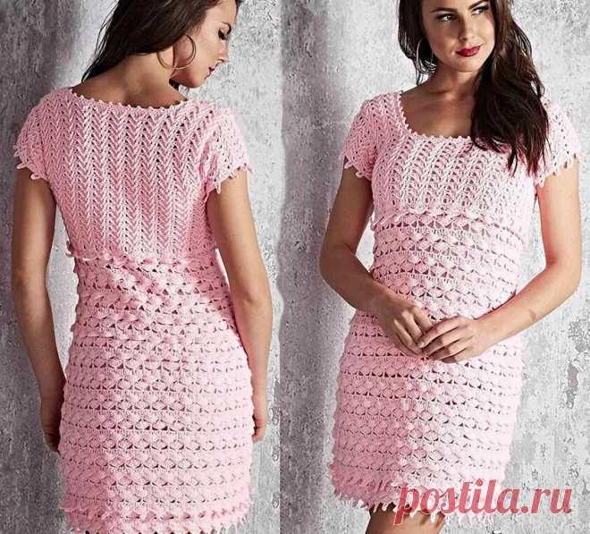 Изящные платья крючком вместе со схемами. |