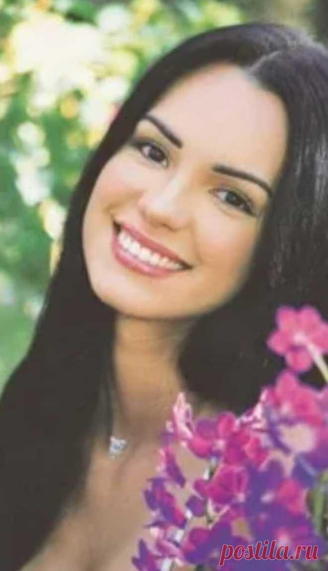 Скарлет Ортис. Потому что нельзя быть на свете красивой такой. Её второе имя Луиза Фернанда — героиня Венесуэльского сериала, который транслировали в России в начале 2000-ых. Кто-то находил в ней черты, делающие её похожей на кумира всех девчонок тех лет, Наталью Орейро, кто-то считал её намного красивее. Действительно, похожа на Орейро времен «Богатых и знаменитых» Действительно, похожа на Орейро времен «Богатых и знаменитых» Как бы […] Читай дальше на сайте. Жми подробнее ➡