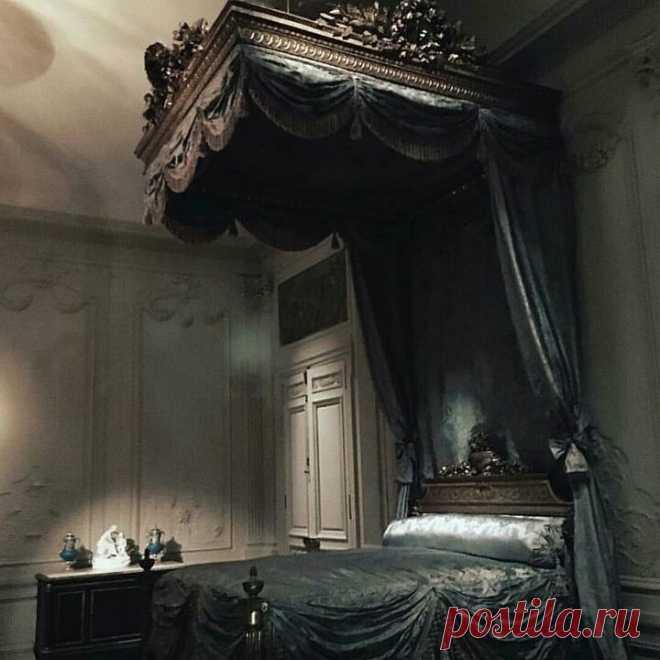 @gothicdreamers в Instagram: «Goals bedroom 🕸🕸🕸! #black #decoration #goals #instagoth #victorian #gothic #goth #gothgirl #gothstyle #bedgoals #bedroom #dreams #witch…» 810 отметок «Нравится», 3 комментариев — @gothicdreamers в Instagram: «Goals bedroom 🕸🕸🕸! #black #decoration #goals #instagoth #victorian #gothic #goth #gothgirl…»