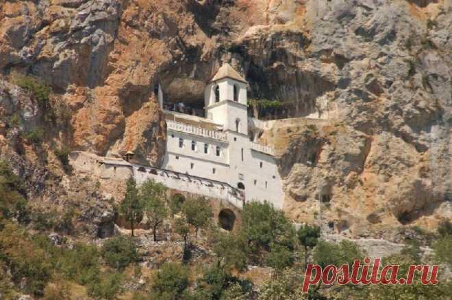 Свыше 100 тыс. паломников посетили монастырь Острог в день св. Василия Острожского | Религия